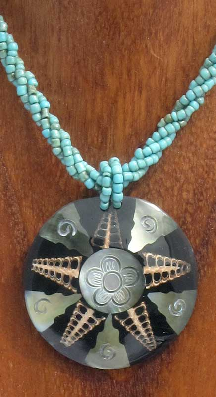 Round Shell Star Necklace